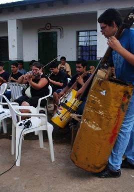 Orquesta de Instrumentos Reciclados de Cateura. 20Medios